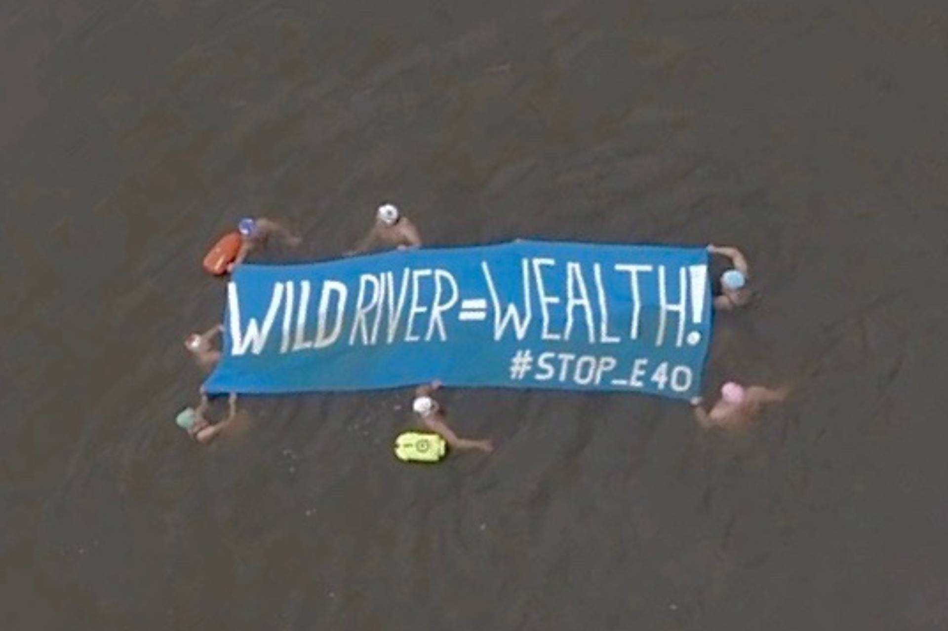Post_Poland_Swimming-protest-Siarzewo-dam